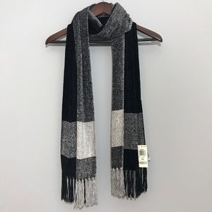 NWT Black & White Chenille Scarf with Fringe